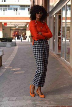 Afro chic Afro, Black Women, Capri Pants, Woman, Chic, Fashion, Shabby Chic, Moda, Capri Trousers