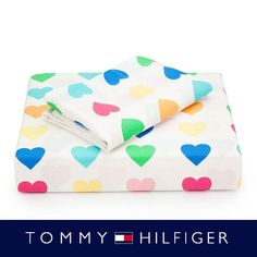 There is a comforter that matches this sheet set (Tommy Hilfiger sweetheart collection) that I would love to get for my wife's B-day present.  The one that she had since the 4th grade finally gave out after years of use.  I Have scoured the internet but can't find it anywhere and I was hoping that the pintrestsphere might be able to give suggestions on where or how I can refine my search.  I am a guy using pinterest so I am quite desperate :).  please help and send to anyone who can help…