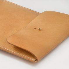 iPad Mini Leather Case 100 Handstitched Vegetable par AnneSoye, $69.00