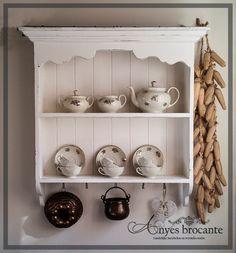 Brocante keukenrek wandrek antiek wit