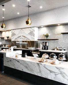restaurant interieur I love this marble bar for the rendering! Restaurant Counter, Cafe Counter, Hotel Restaurant, Restaurant Design, Patisserie Design, Bakery Design, Cafe Design, Food Design, Design Hotel