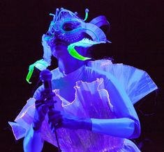 Headpiece by James Merry/ Dress by Hildur Yeoman/ Björk / Hammersmith Apollo
