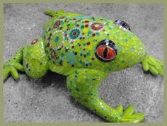 Jumping Frog Mosaic Sculpture by MoZaikToone