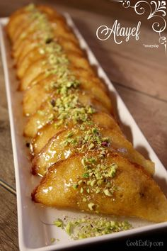 Atayef – Αταγιέφ, οι αιγυπτιακές τηγανίτες Greek Sweets, Greek Desserts, Greek Recipes, Lebanese Desserts, Lebanese Recipes, Sweets Recipes, Cooking Recipes, Greek Pastries, Middle Eastern Desserts