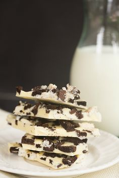 Cookies and Cream Oreo Chocolate Bark | browneyedbaker.com #recipe