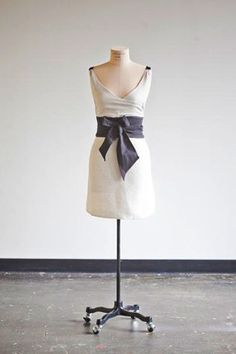 Classy. Ice Milk Aprons. This is beautiful - need to get back to making aprons!