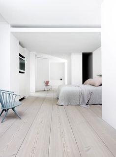 White Wood Floors Bedroom Luxury White Bedroom Floor Home Design Ideas Farmhouse Style Bedrooms, Farmhouse Bedroom Decor, Casas Country, Home Interior, Interior Design, Interior Modern, White Wood Floors, White Washed Floors, Bedroom Flooring
