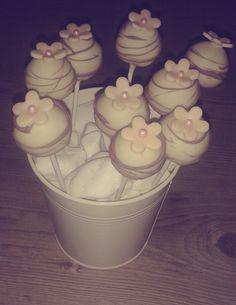GIRLY CAKE POPS!