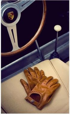 Driving gloves for that special car... -- for more accessories visit http://www.pinterest.com/davidos193/essentials-mens-accessories/