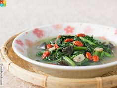Spinach, wolfberries, century egg - Edits: Sub flour for corn starch