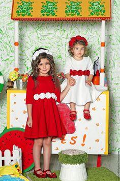 Купить Платье из фактурного трикотажа - комбинированный, платье, трикотажное платье, розы, роза, красный и белый