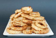 Baked Onion Rings  Bake @ 450°F 20-25 minutes        2 Yellow Onions      1/4 Cup Flour      1½ Tsp Garlic Powder      2 Tsp Table Salt      2 Cups Panko Bread Crumbs      3 Eggs
