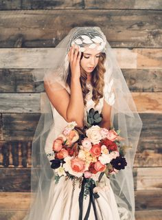 Bride with Fall Bouquet | photography by http://www.carriekingphoto.com/