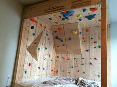 Some people are extremely passionate about rock climbing. So passionate that they'll turn their very own bedroom into an artificial, DIY rock climbing wall. Indoor Climbing Wall, Kids Climbing, Climbing Holds, Rock Climbing Gear, Kids Bedroom, Bedroom Decor, Decor Room, Kids Rooms, Bouldering Wall