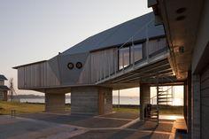 Sakurai House | Tateyama, Chiba Prefecture, Japan | Ken Yokogawa Architect & Associates | photo © Shinkenchiku-sha Co., Ltd.