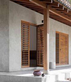 Complexe minimaliste au sri lanka par aim architecture et norm architects a dreamy house to rent for a winter break in galle sri lanka Exterior House Colors, Exterior Design, Interior And Exterior, Rustic Exterior, Stone Interior, Exterior Doors, Casa Cook Hotel, Casa Loft, Resort Villa