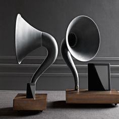 iPhone / iPad Gramophone - Amplifying Speaker Horn