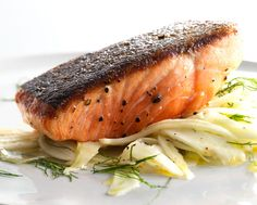wehavethemunchies:    Pan-Roasted Salmon with Fennel Salad