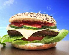 Lust auf einen #Cheeseburger #Bagel ? Komm ins Fresh Bagels & Muffins 😉  #bagelshop #burgerbagel www.bagelshop.de