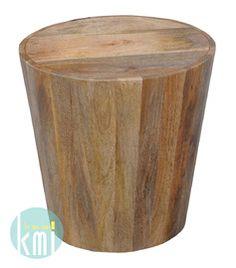 """Okrągły stolik z kolekcji """"Mango"""" zachwyca przede wszystkim prostotą i funkcjonalnością. Jej ponadczasowy kształt odnajdzie się zarówno w surowym lofcie jak i w klasycznym salonie. Jasne drewno naturalnie wpisze się w klimat otoczenia.  http://bit.ly/1BhL2r9"""
