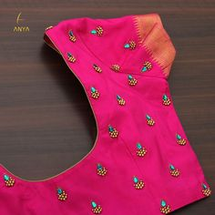 Cutwork Blouse Designs, Simple Blouse Designs, Embroidery Neck Designs, Stylish Blouse Design, Hand Work Blouse Design, Maggam Work Designs, Pink Fabric, Saree Blouse, Blouse Neck