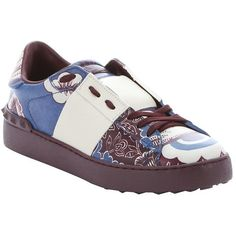 Valentino Purple Floral Graffiti Print Leather Studded Sneakers... (12 680 UAH) ❤ liked on Polyvore featuring shoes, sneakers, purple, valentino trainers, purple sneakers, valentino shoes, lacing sneakers and leather lace up sneakers