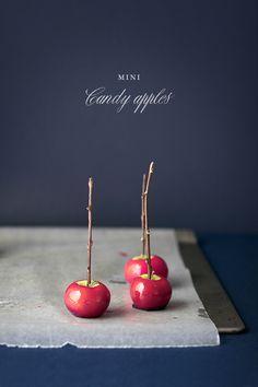 Recipe: Halloween Miniature Candy Apples