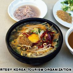"""""""40 Korean foods we can't live without"""" article via CNN International"""