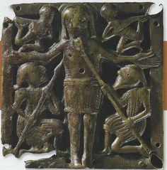 16) Irish bronze plaque 11e siècle Kell crucifixion plaque Early Christian, Christian Art, Irish Clothing, Les Religions, 12th Century, Antiquities, Satan, Bronze, Christianity