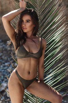 Bikini babe, sumer, palm, summer Bikini Babes, Bikinis, Swimwear, Palm, Fashion Photography, My Style, Summer, Bathing Suits, Girls In Bikinis