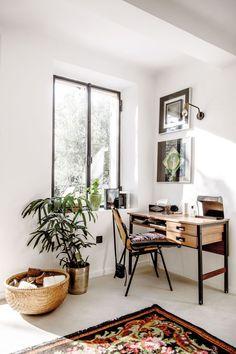 Workspace with Boho Details at Stéphanie Ferret | Milk Decoration