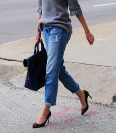 street style...cute way to dress up jeans