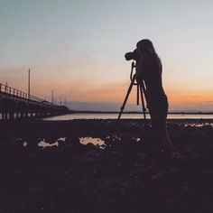 #isjon_isgood Tide out  photographer in @oakstonephotography #photographer #babe #sunset #sillouette #bridge #lifeisgood #nice