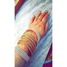 """I am that type of girl who loves wearing bangles and mehendi.. 💁❤ #ramadan2017  #pretty #mehendi #mehendidesign #mehendiartist #henna #hennadesign #hennaart #hennatattoo #beautiful #wedding #functions #events #art #tattoo #colour #mehendiinspire #hennainspire #inspirational #bridal #instaart #bodyart #hennalove #bridal #arabichenna #arabicdesign #traditionalhenna #naturalhenna #wearingbangles #mehendi  #hennaby_aysha"" by @hennaby_aysha. #이벤트 #show #parties #entertainment #catering…"