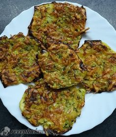 Looks Yummy, Omelette, Quiche, Ham, Zucchini, Food And Drink, Herbs, Bread, Vegetables