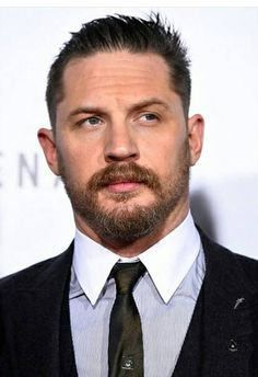"""Tom Hardy at the premiere of """"The Revenant"""" - Los Angeles, Dec. 16th 2015"""