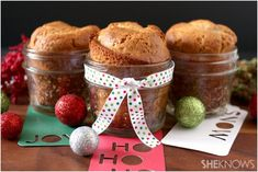 Banana Bread In A Jar - butter flavored shortening - sugar - 4 large eggs - ripe bananas- flour - whole wheat flour - baking soda - baking powder - kosher salt - pumpkin pie spice Jar Gifts, Food Gifts, Christmas Deserts, Christmas Ideas, Christmas Gifts, Christmas Baking, Christmas Cookies, Christmas Time, Bread Shop