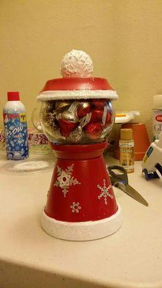 Christmas candy jar Christmas On A Budget, Christmas Crafts For Kids, Diy Christmas Gifts, Holiday Crafts, Christmas Decorations, Christmas Parties, Christmas Projects, Christmas Ideas, Holiday Decor