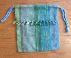 Guest Post: Stash-Buster Lunch Bag by Benjamin Krudwig Purse Patterns, Loom Patterns, Loom Weaving, Hand Weaving, Cricket Loom, Drawstring Bag Pattern, Weaving Projects, Weaving Techniques, Knitting