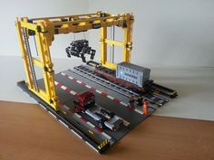 MOC [Trains]: Intermodal Container Crane   My 'photo studio'…   Flickr