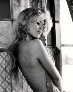 Brigitte Bardot ❥ #turquoiseandtobacco                                                                                                                                                      Plus