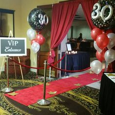 Class reunion with the theme star-studded red carpet affair. Hollywood Birthday Parties, Moms 50th Birthday, Casino Theme Parties, School Reunion Decorations, Reunion Centerpieces, High School Class Reunion, Class Reunion Ideas, Red Carpet Theme Party, Red Carpet Event