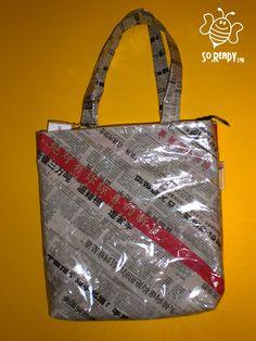 Borsa intrecci di carta, shopper con quotidiani #soreadystyle #riciclo #pvc #bag #banner #nomadeinchina - di So.Ready Lab - soreadylab.etsy.com