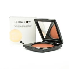 Water resistant long stay fine matte bronzing powder. For perfect healthy looking skin every day. Technically advanced bronzing powder perfect for when you want to look your best even under the most challenging conditions, including heat and humidity. Clinically proven to be 85% water resistant.
