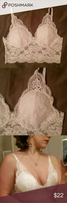 Bralette Lace padded,  bralette, new, never worn,  no tags came with it. Pair with a long,  flowy skirt! Tops Crop Tops