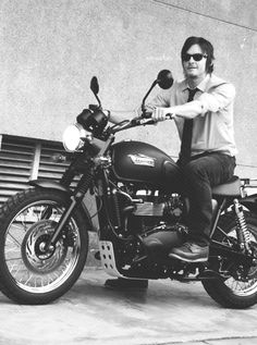 Norman Reedus Is A Rock Star Very Sexy