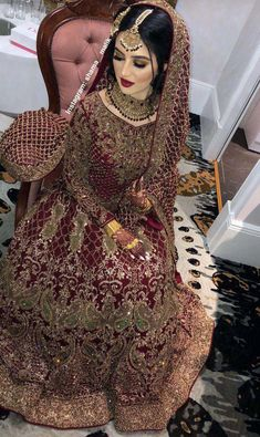 Pakistani Wedding and Party Dresses Wedding Dress Silk, Wedding Dress Cinderella, Bridal Mehndi Dresses, Asian Bridal Dresses, Pakistani Bridal Makeup, Pakistani Wedding Outfits, Indian Bridal Outfits, Bridal Dress Design, Pakistani Wedding Dresses