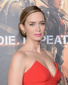 Pin for Later: Amber Heard's Red Lipstick Look Screams Sex Appeal Emily Blunt