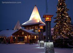Villaggio di Babbo Natale in Lapponia a dicembre