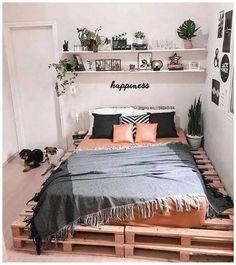 Bohemian Bedroom Decor, Room Decor Bedroom, Bedroom Ideas, Shabby Bedroom, Shabby Cottage, Bedroom Designs, Shabby Chic, New Room, Home Renovation